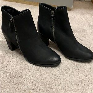 MIA BOOTIES Bring Offers